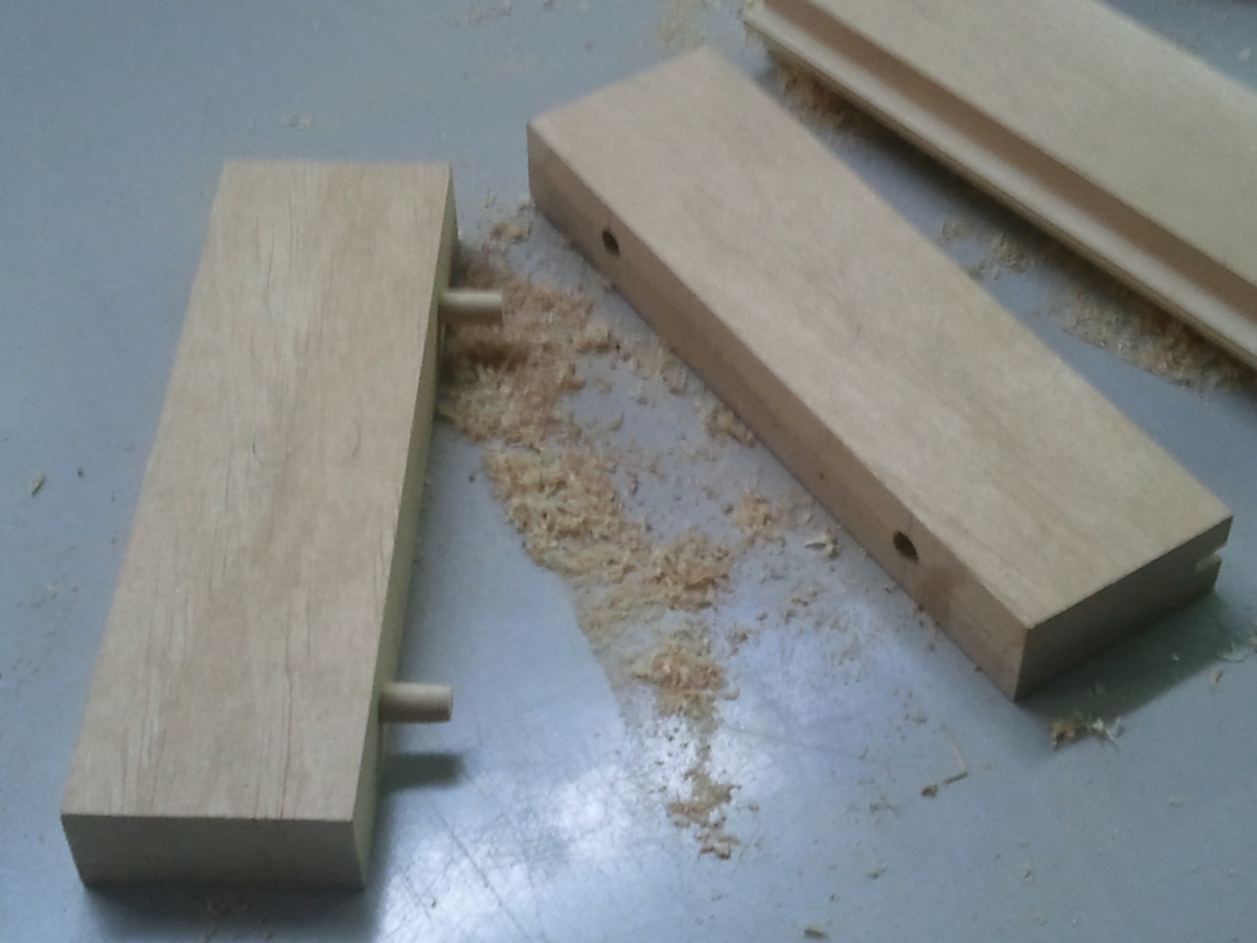 wooden dowels for bunk beds 2